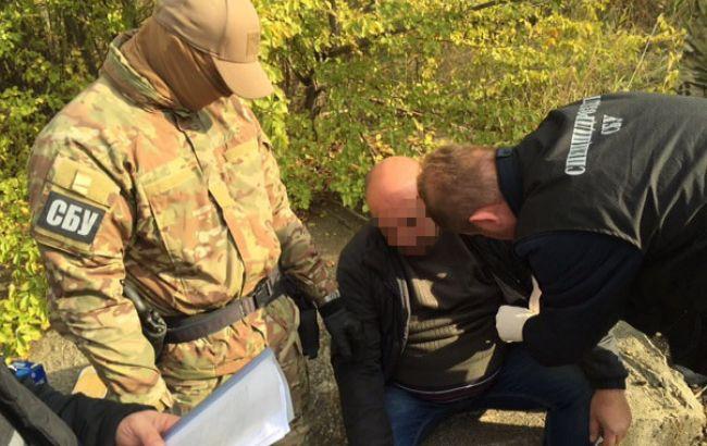 Фото: затримання чиновника