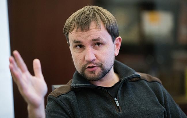 Декоммунизация в Украине фактически завершена, - Вятрович