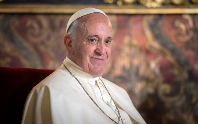 Папа Франциск вакцинировался от COVID
