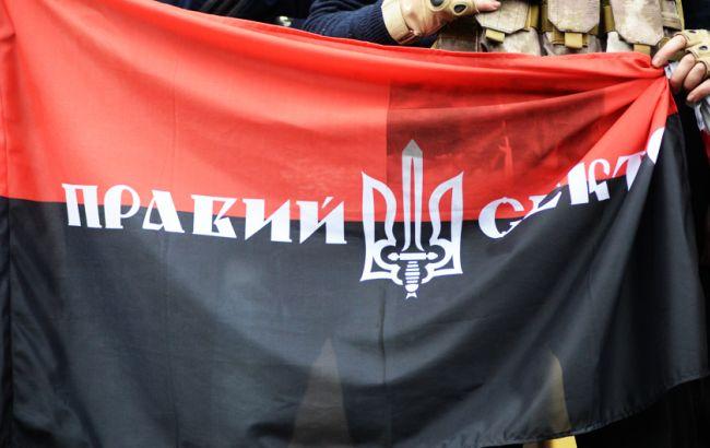 """""""Правий сектор"""" хоче винести на референдум питання недовіри Порошенко, Яценюку і Раді"""