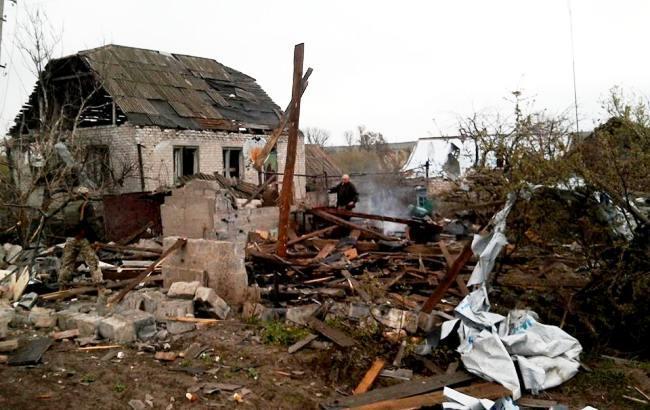 Фото: последствия обстрелов (пресс-центр штаба АТО)