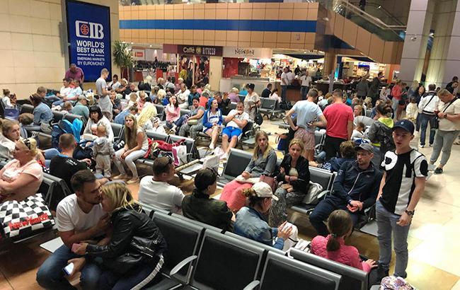 В аеропорту Єгипту застрягли 200 українців, в МЗС заявили про відправку літака за туристами