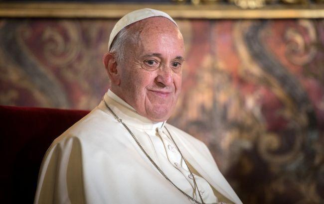 """Папа Римский предупредил, что """"мафия"""" во всем мире пытается нажиться на пандемии"""