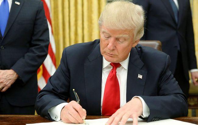 Трамп подписал указ о пересмотре международных торговых сделок