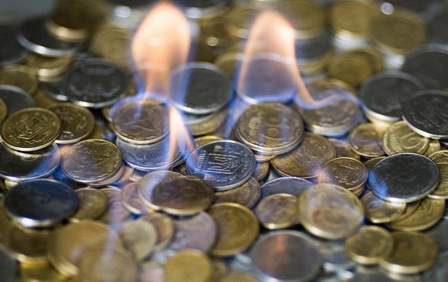 Готівковий курс долара упродажу знизився до25,75 гривень