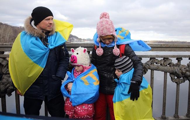 Фото: В Україні вшановують пам'ять кримських татар (РБК-Україна)