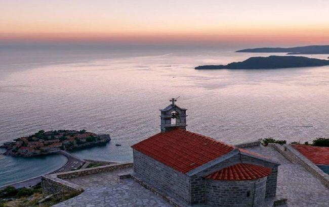 Черногория отменила для туристов из Украины все ограничения, включая ПЦР-тест