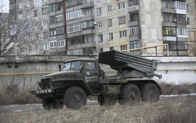 Боевики обстреляли Авдеевку из«Градов», повреждены 18 домов