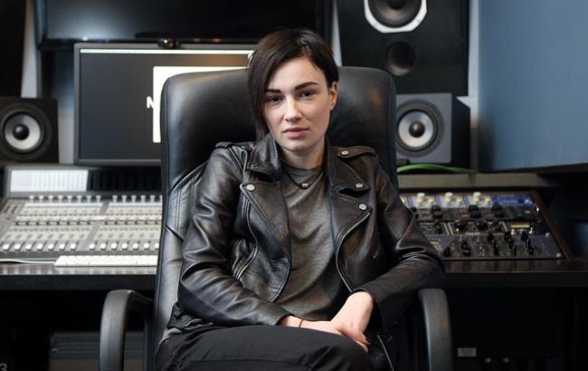 Він живе в Росії: Анастасія Приходько відцуралася від батька