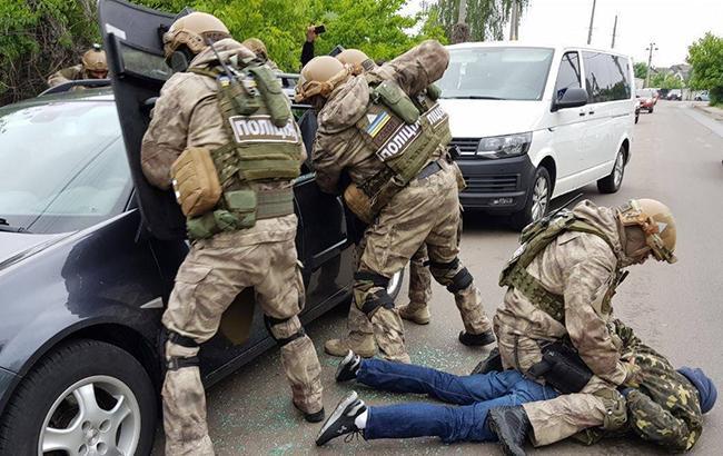 Фото: задержание группы преступников (Нацполиция)