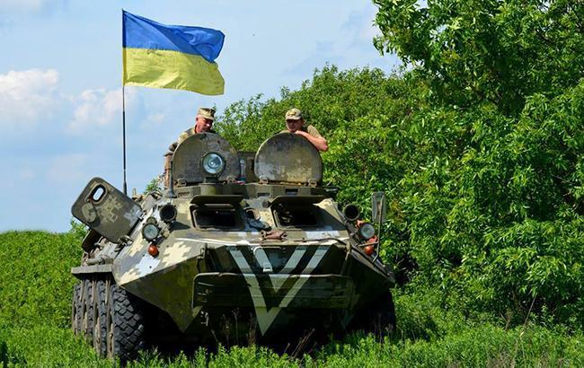 """""""Відвоювалася"""": українські військові знищили бойову машину терористів (фото)"""