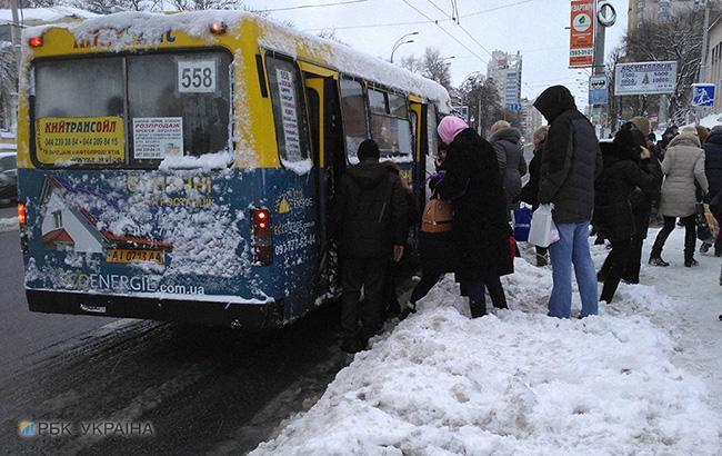 Фото: в маршрутках Києва подорожчав проїзд (РБК-Україна)