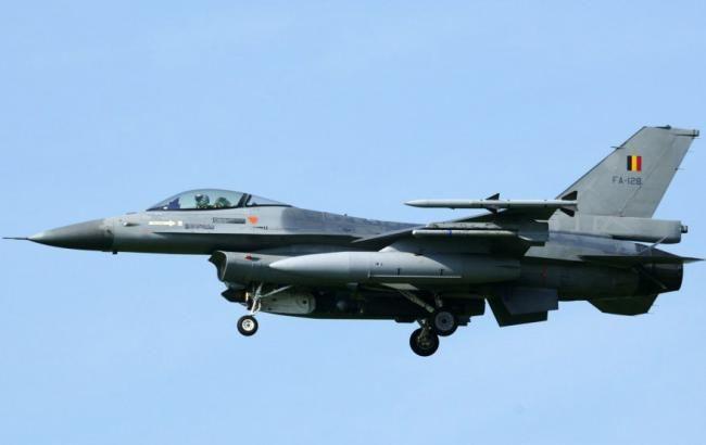 У Франції розбився винищувач F-16