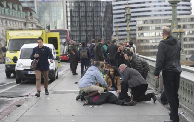 Фото: теракт біля парламенту Британії