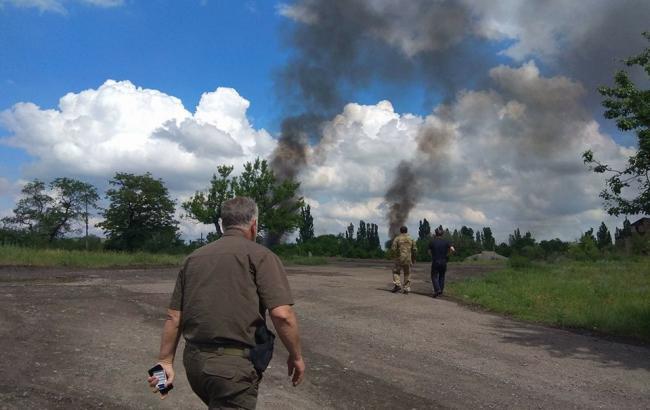 Обстріл околиць Торецка триває, є поранені серед військових