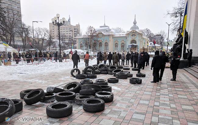 Сутички під Радою: постраждали 8 поліцейських, 9 осіб затримано