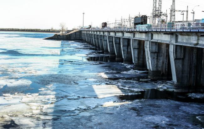 Фото: из-за маловодия рек Украине грозит нехватка электроэнергии