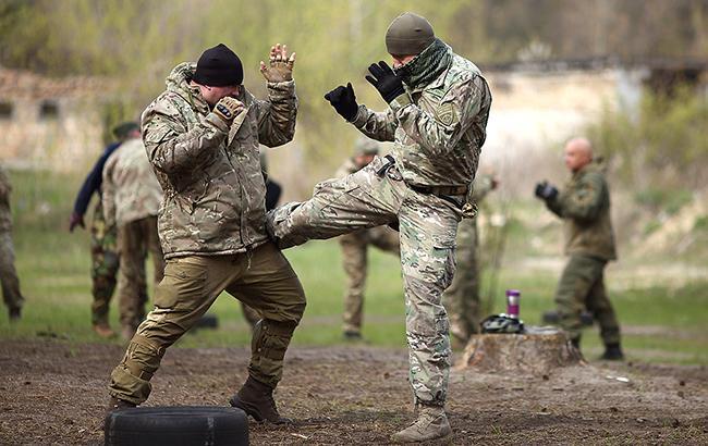"""Організація """"Український легіон"""" навчила військовому справа вже понад 3 тис. українців"""