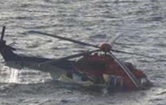 Фото: в результате крушения вертолета погли 5 человек