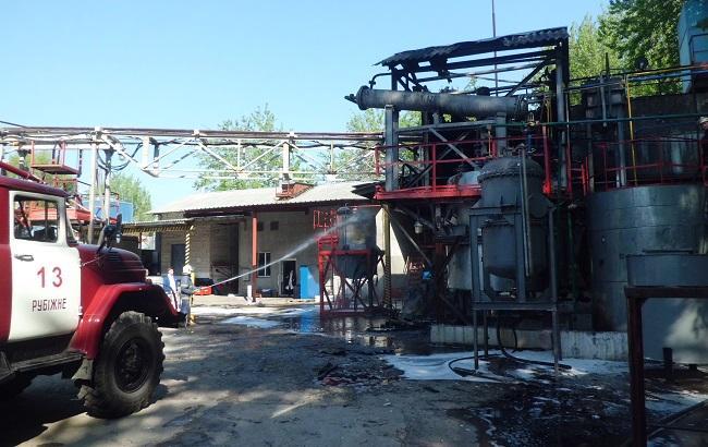 В Луганской области произошел пожар на химическом предприятии