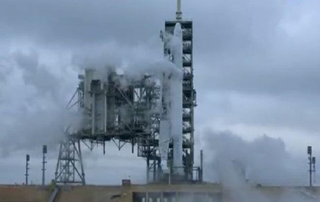 SpaceX успішно відправила космічну вантажівку Dragon до МКС