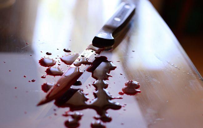 У Києві чоловік поранив ножем трьох людей