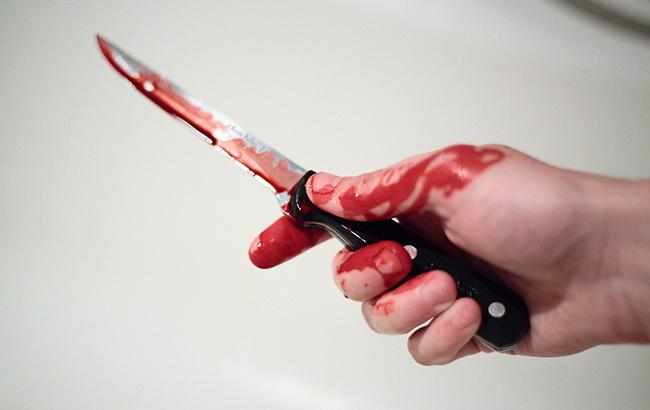 Фото: в Киеве мужчина напал с ножом (РБК-Украина)
