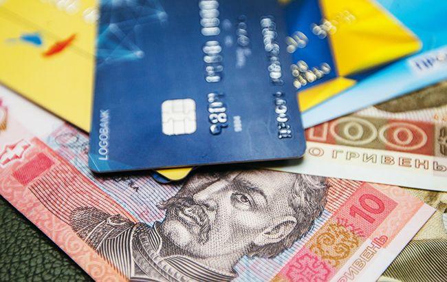 НБУ назвав середню суму переказу з картки на картку