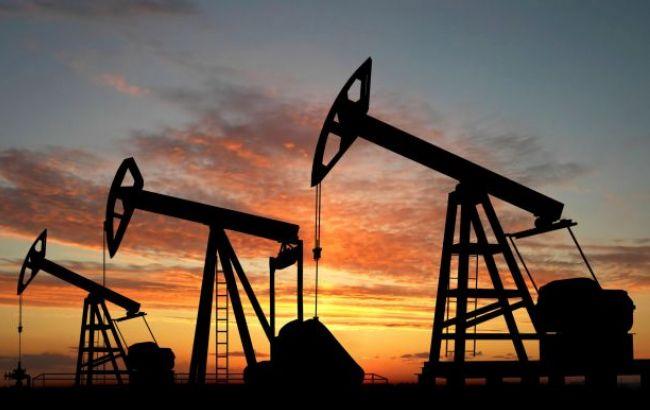 Нефть Brent торгуется ниже 45 долларов за баррель