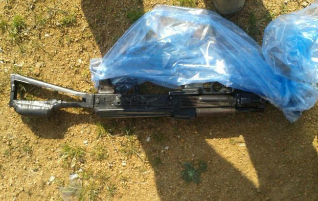 Фото: тайник с оружием в зоне АТО