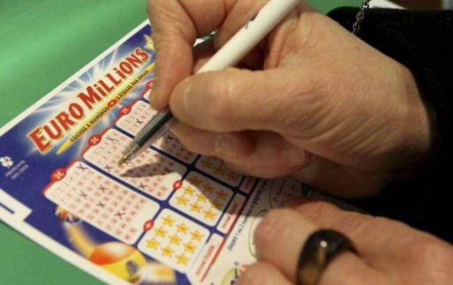 Фото: билет лотереи EuroMillions (rus.tvnet.lv)