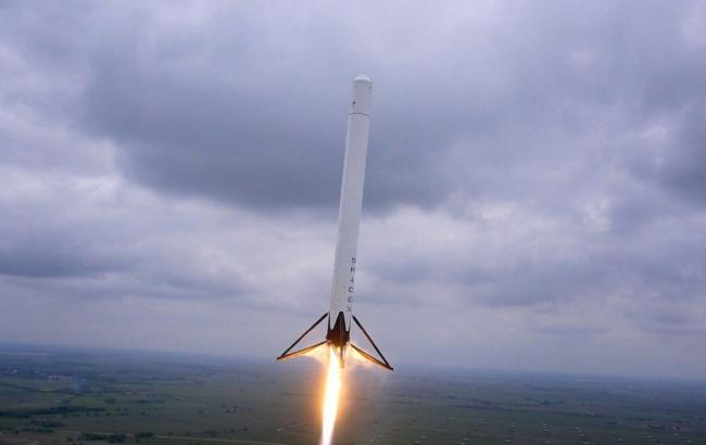 Фото: Ракета Falcon 9