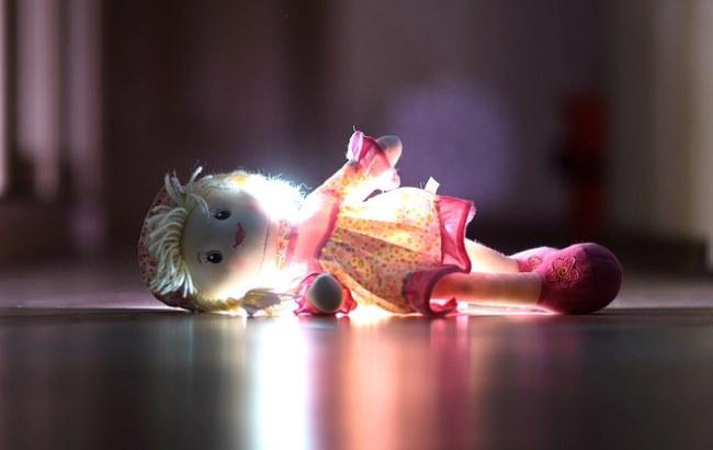 Люди боялись везти в своем авто: в Винницкой области трехлетний ребенок два дня пролежал мертвым на веранде