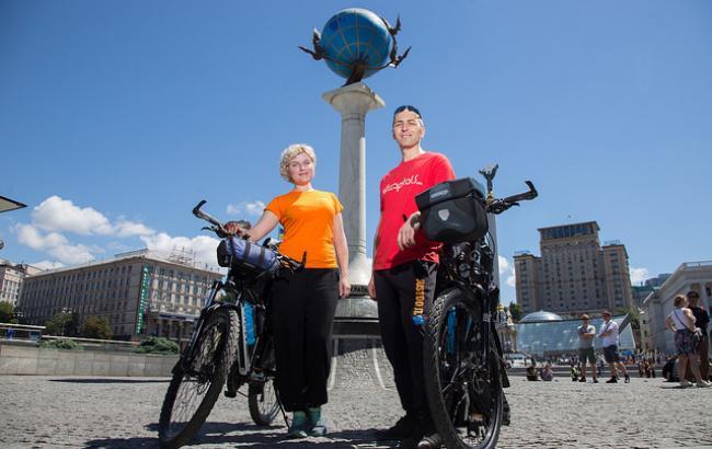 Українці вирушають в тур столицями світу на велосипедах