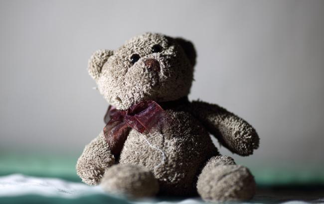"""Харківські """"копи"""" врятували немовля, яке жило посеред лісу"""