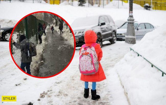 5-летнюю девочку высадили из автобуса на пустой остановке в холод: спасла соседка-школьница