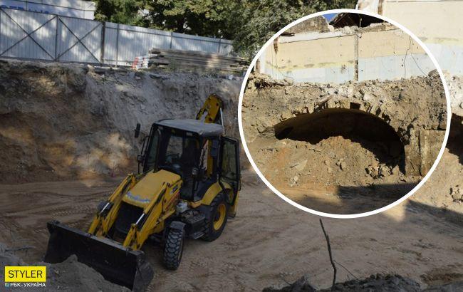 У центрі Миколаєва під час будівництва виявили старовинний артефакт (фото)