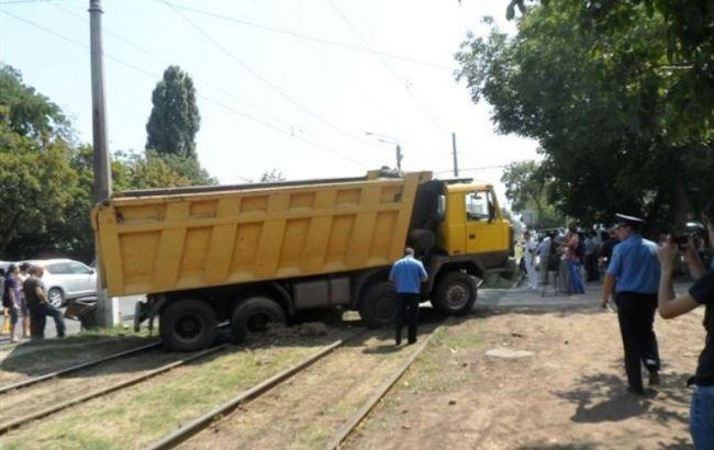 В Одессе столкнулись трамвай и грузовик, пострадали 8 человек