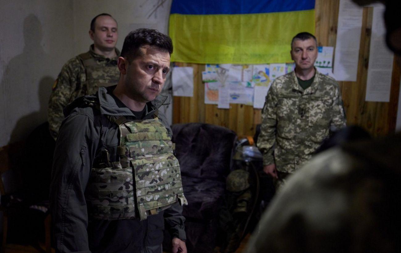 Зеленский посетил передовую на Донбассе. Вручил ценные подарки военным