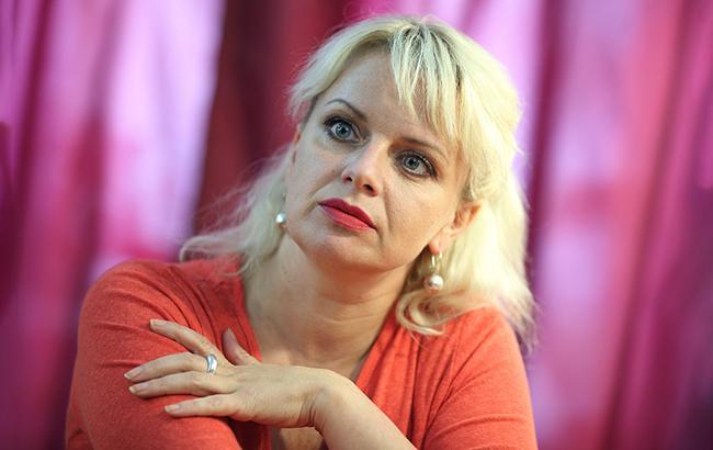 """""""Я, принаймні, чесна"""": відома актриса розповіла, як допомогти Україні"""