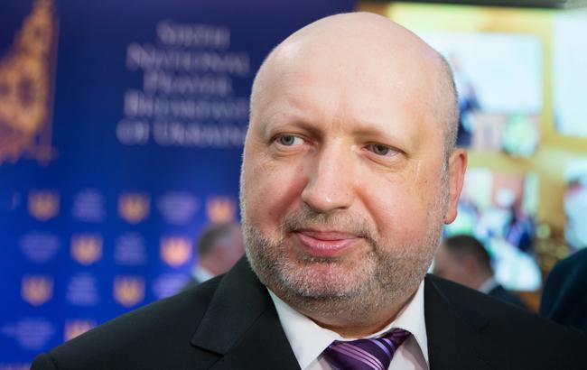 Турчинов: Украинский ОПК удовлетворяет все основные нужды армии