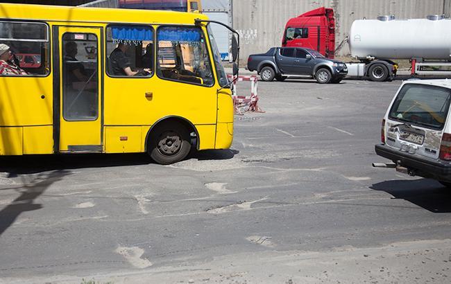Под наркотиками: в Запорожье невменяемый водитель возил пассажиров