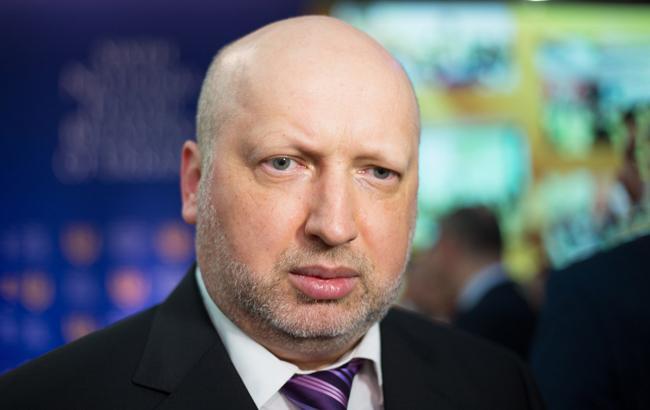 Турчинов сподівається, що Рада проголосує за введення візового режиму з РФ до канікул