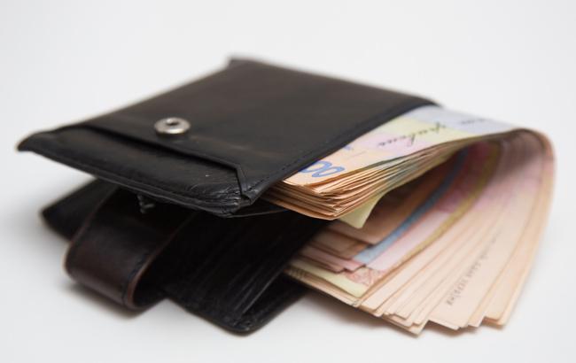 Украинцы увеличили уплату налогов на четверть