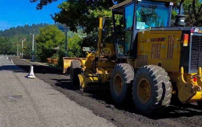В Черновицкой области начали ремонт участка трассы до румынской границы