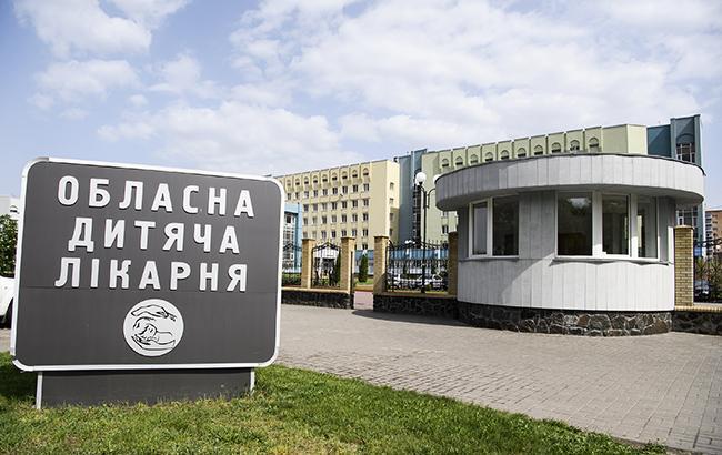 Масове отруєння в Черкасах: з лікарень виписали всіх постраждалих