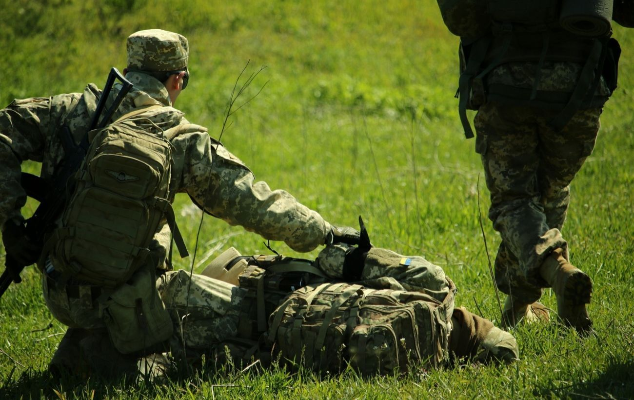 Бойовики посилили обстріл на Донбасі, поранено військового