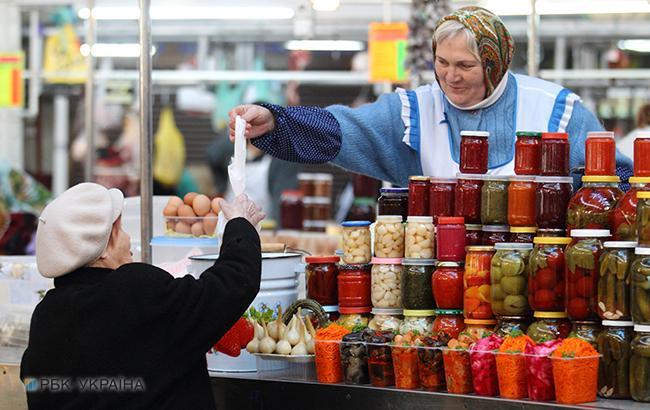 Оборот розничной торговли в Украине с начала года вырос на 7,5%