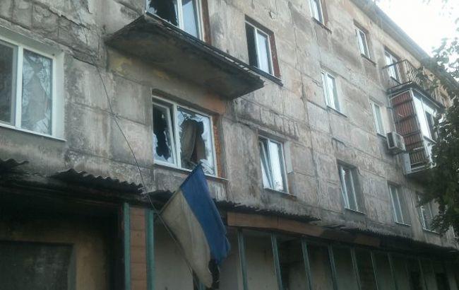 Фото: последствия обстрела (facebook.com/pressjfo.news)