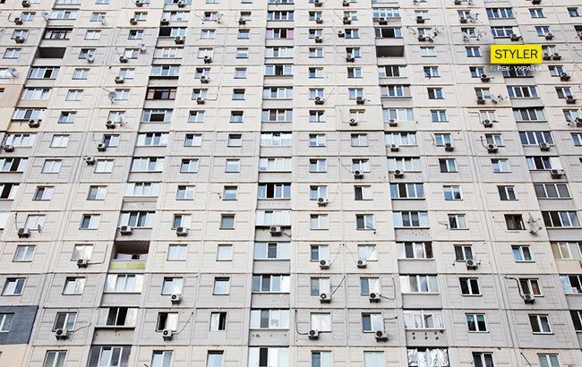 В Киеве мужчина выкинул с девятого этажа собаку